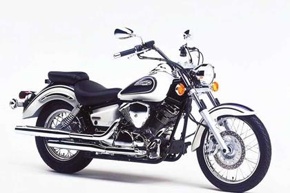 Yamaha XVS250 Drag Star motorcycle review - Side view