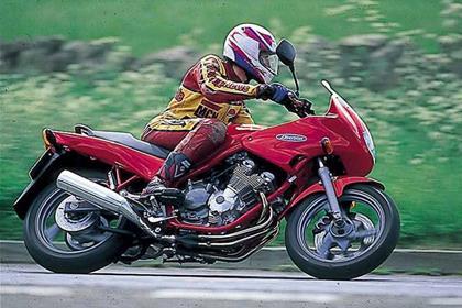 Yamaha XJ600 Diversion motorcycle review - Riding