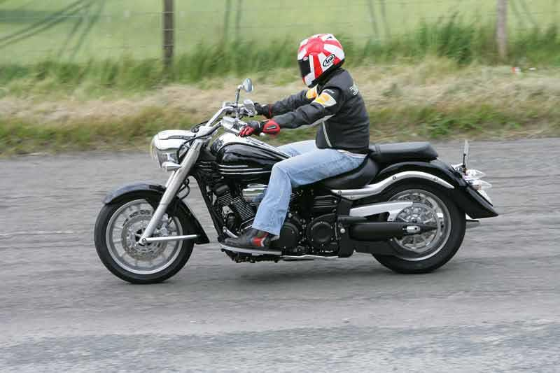 Yamaha xv1900 midnight star 2006 on review mcn for 2006 yamaha stratoliner review