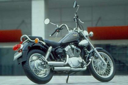 Yamaha XV125 Virago motorcycle review - Side view