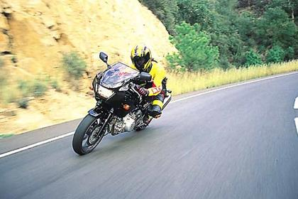 Yamaha TRX850 motorcycle review - Riding