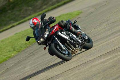 Yamaha FZS1000 Fazer motorcycle review - Riding
