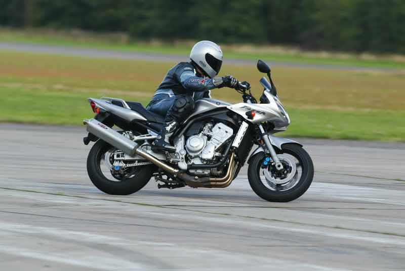 2004 Yamaha FZ1 | Motorcyclist