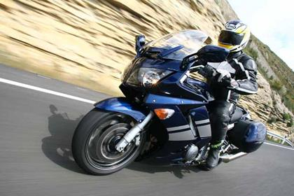 Yamaha FJR1300 motorcycle review - Riding