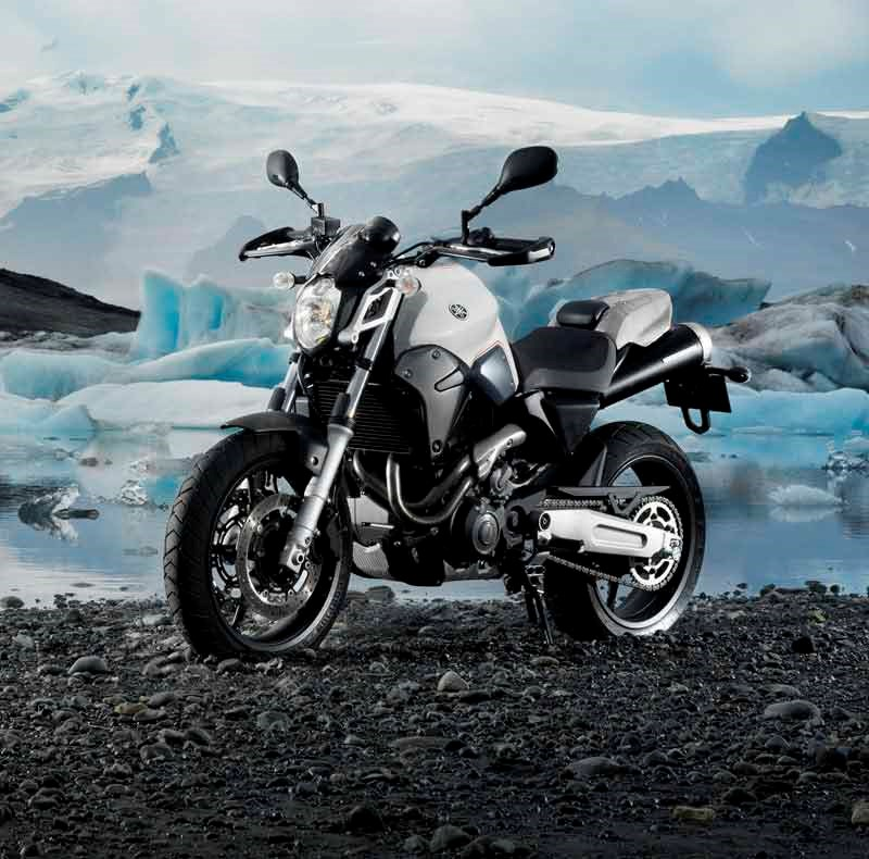 Yamaha mt 03 2006 on review mcn for Housse moto yamaha