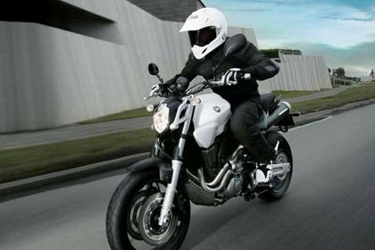 Yamaha MT-03 motorcycle review - Riding