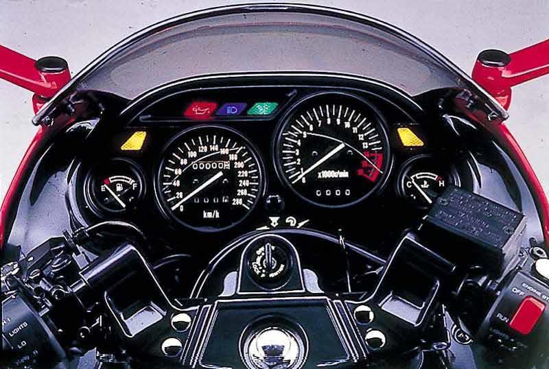 KAWASAKI ZZR600 (1990-2007) Review | MCN