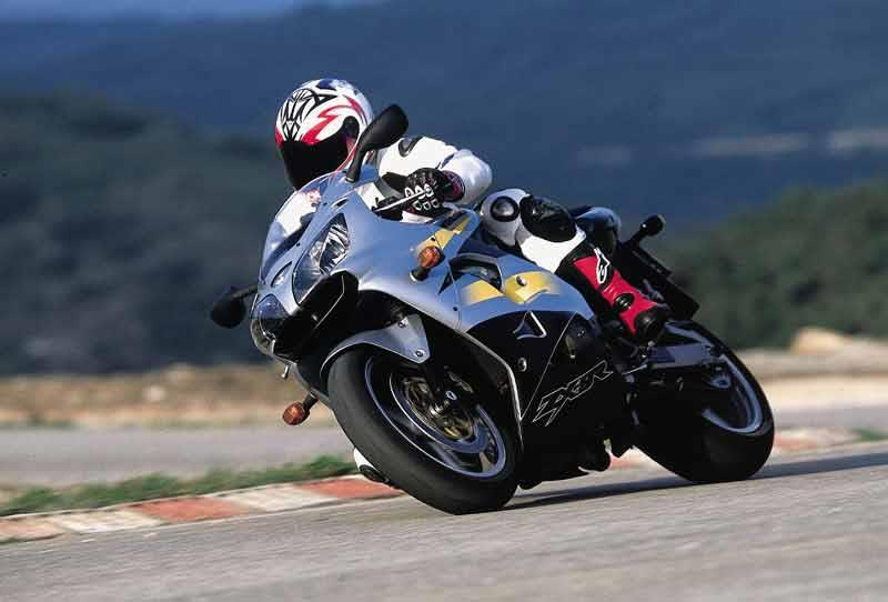 KAWASAKI ZX-9R (1994-2002) Review | Speed, Specs & Prices | MCN