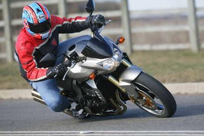 Kawasaki Z1000 motorcycle review - Riding