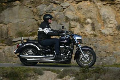 Kawasaki VN2000 motorcycle review - Riding