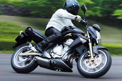 Kawasaki ER-6 motorcycle review - Riding
