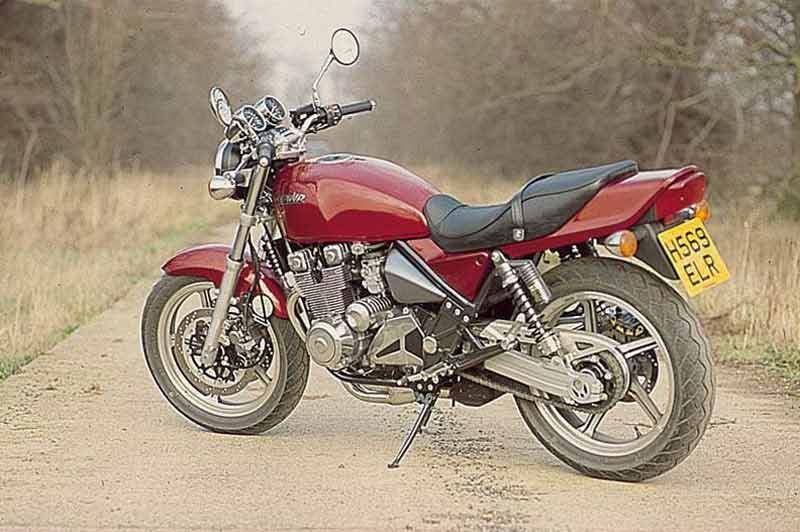 Kawasaki ZR 550 Zephyr classic motorcycle, not Honda