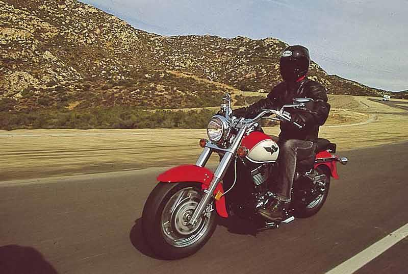 Stupendous Kawasaki Vn800 Classic 1996 2004 Motorcycle Review Mcn Alphanode Cool Chair Designs And Ideas Alphanodeonline