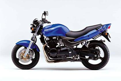 Kawasaki ZR-7 motorcycle review - Side view