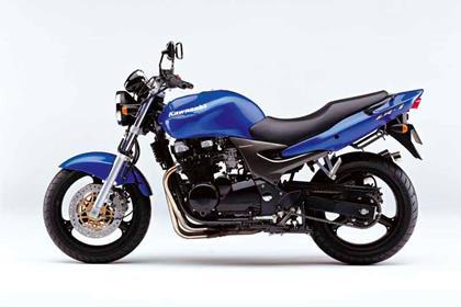 Kawasaki ZR-7 motorcycle review - Side view