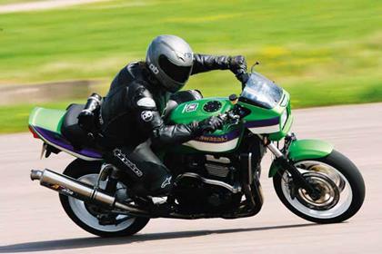 Kawasaki ZRX1100 motorcycle review - Riding