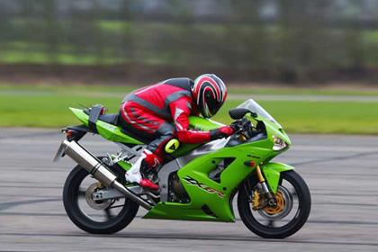 Kawasaki ZX-6R motorcycle review - Riding