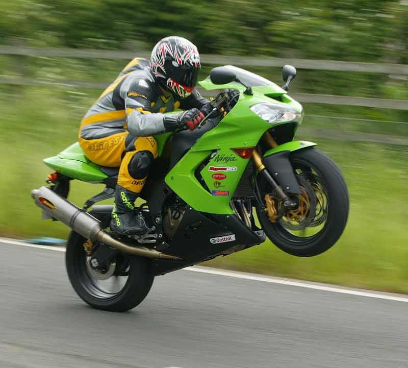 kawasaki zx-10r (2004-2005) review | mcn