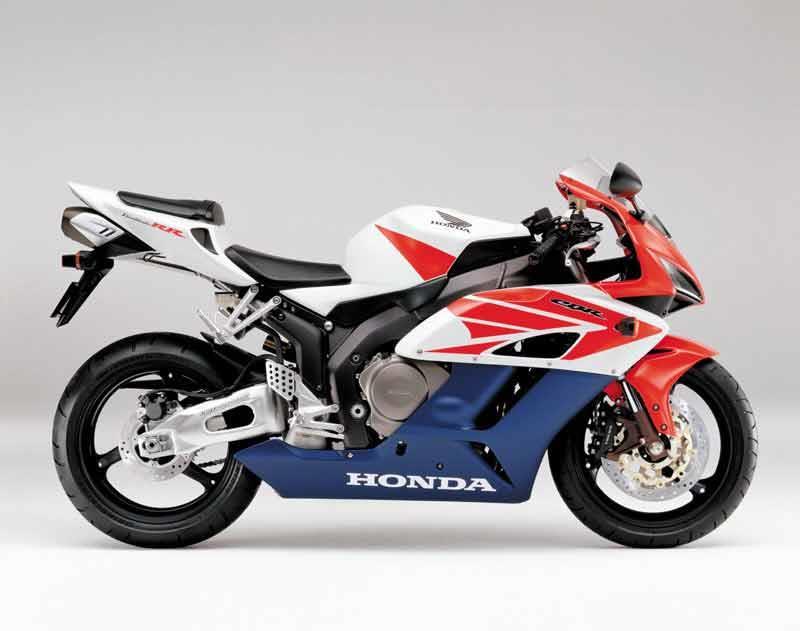 Honda Cbr1000rr Review >> Honda Cbr1000rr Fireblade 2004 2005 Review Mcn