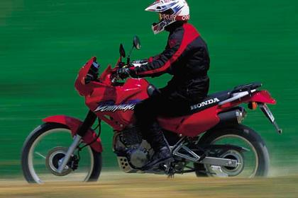 Honda Dominator motorcycle review - Riding