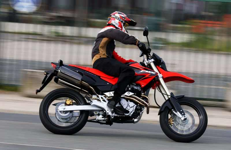 honda fmx650 2005 2012 review speed specs prices mcn. Black Bedroom Furniture Sets. Home Design Ideas