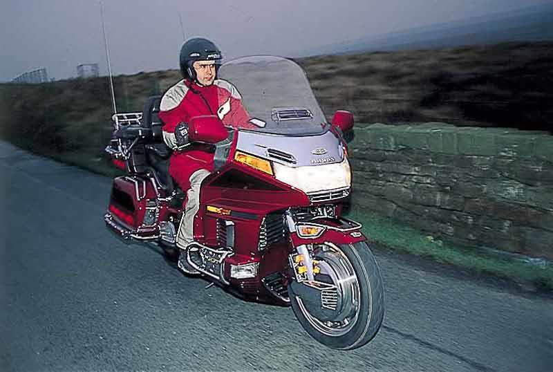 HONDA GL1500 GOLDWING (1998-2000) Motorcycle Review | MCN