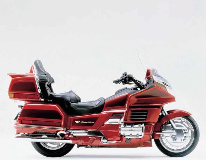 HONDA GL1500 GOLDWING (1998-2000) Motorcycle Review | MCN