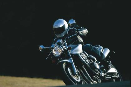 Honda CB900F Hornet motorcycle review - Riding
