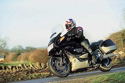 Honda ST1100 Pan European motorcycle review - Riding