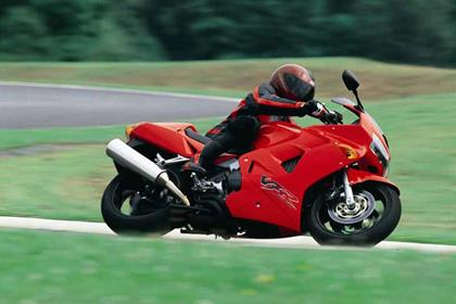 Honda VFR800i motorcycle review - Riding