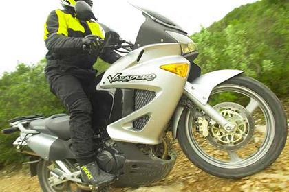 Honda XL1000 Varadero motorcycle review - Riding