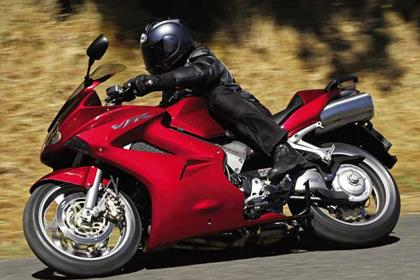 Honda VFR800 V-Tec motorcycle review - Riding