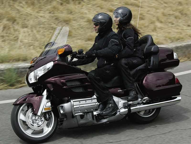 honda gl1800 goldwing 2001 on review specs prices mcn. Black Bedroom Furniture Sets. Home Design Ideas