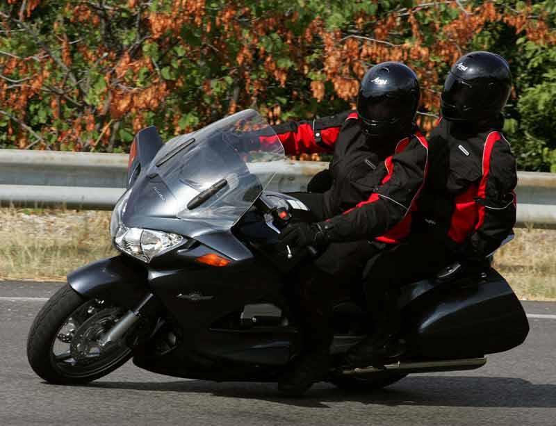 Marvelous Honda St1300 Pan European 2002 On Motorcycle Review Mcn Ncnpc Chair Design For Home Ncnpcorg