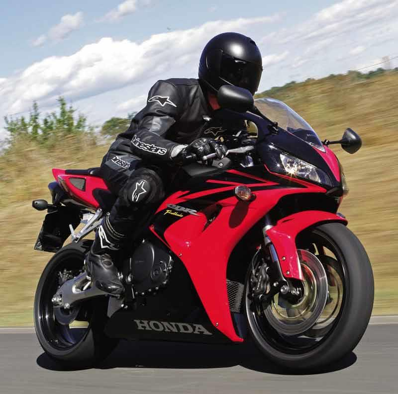 ... Honda CBR1000RR Fireblade Motorcycle Review   Riding ...