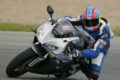 Honda CBR1000RR Fireblade motorcycle review - Riding