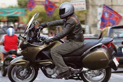 Honda Deauville motorcycle review - Riding