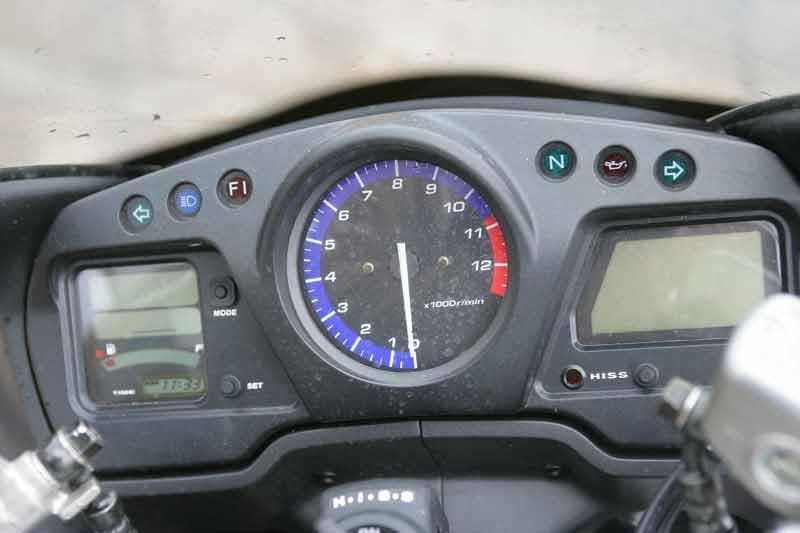 honda cbr1100xx super blackbird motorcycle review - instruments