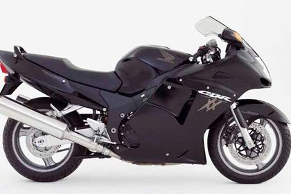 Honda CBR1100XX Super Blackbird motorcycle review - Side view
