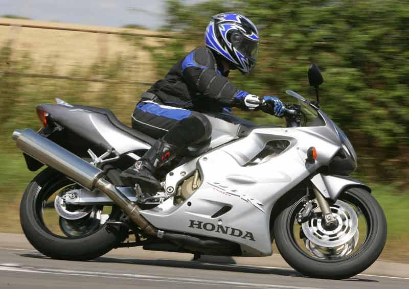 Superb Honda CBR600F Motorcycle Review   Riding ...