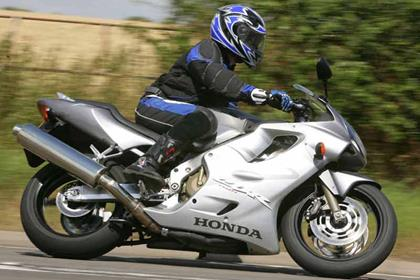 Honda CBR600F motorcycle review - Riding