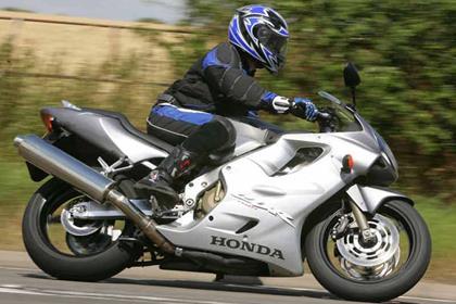 Honda CBR600F motorcycle review - Riding
