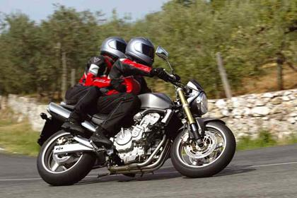 Honda CB600F Hornet motorcycle review - Riding