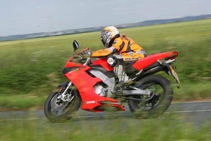 Derbi GPR125 motorcycle review - Riding