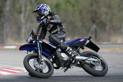 Derbi Senda 50 motorcycle review - Riding