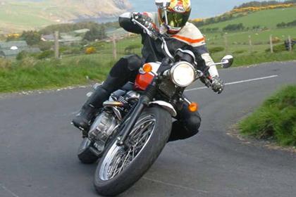 Triumph Scrambler motorcycle review - Riding