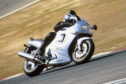 Triumph Sprint ST motorcycle review - Riding