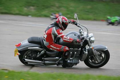 Triumph Rocket III motorcycle review - Riding