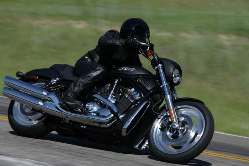 Hot Rod Harley >> Harley Davidson Night Rod 2006 On Motorcycle Review Mcn