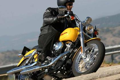 Harley-Davidson FXD/FXDI Dyna Super Glide motorcycle review - Riding